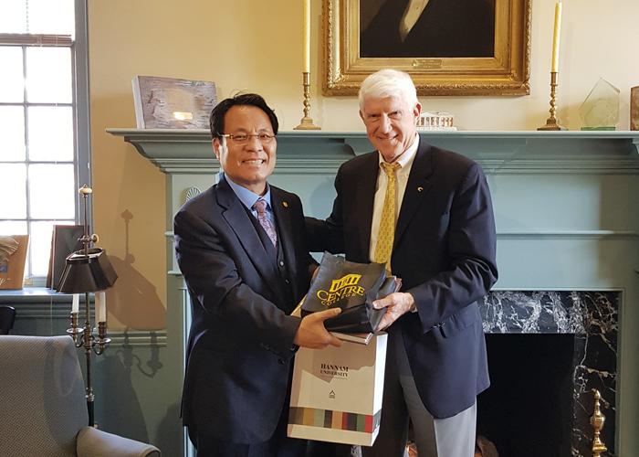 Lee Duk-hoon President Visiting the US C...